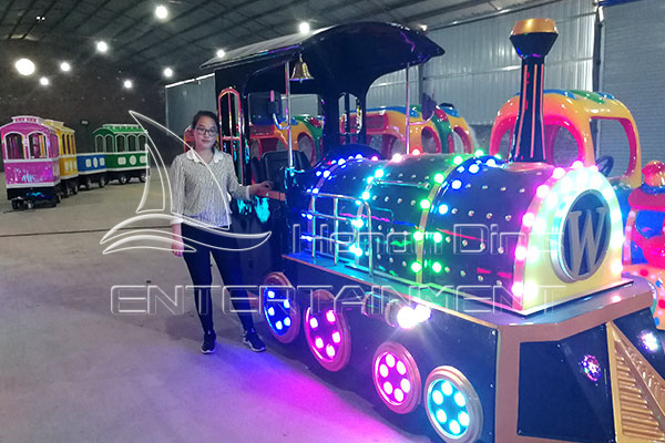 Antique Trackless Mall Train Rides in Factory