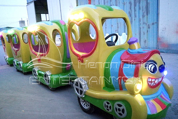 Dinis Carnival Amusement Rides for Sale for Halloween