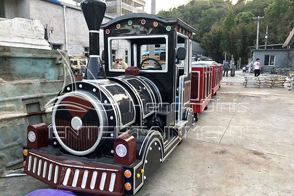 Electric Trackless Trains Are Available in Dinis