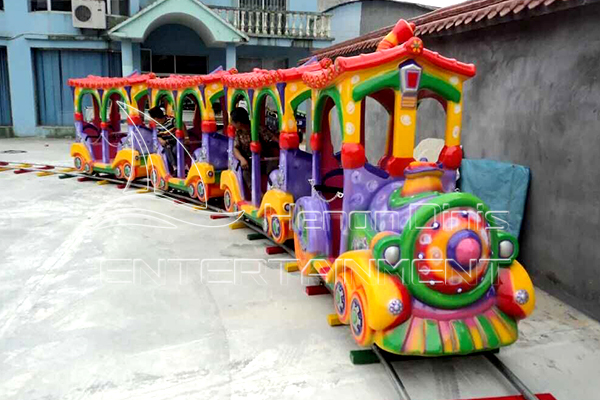 Mini Toy Track Train Is Available in Dinis