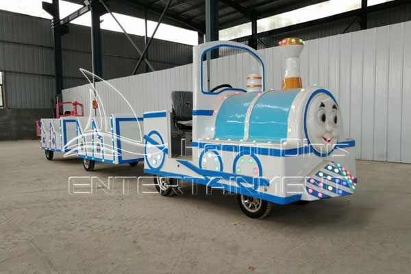 Thomas Kid Train Rides Are Available in Dinis